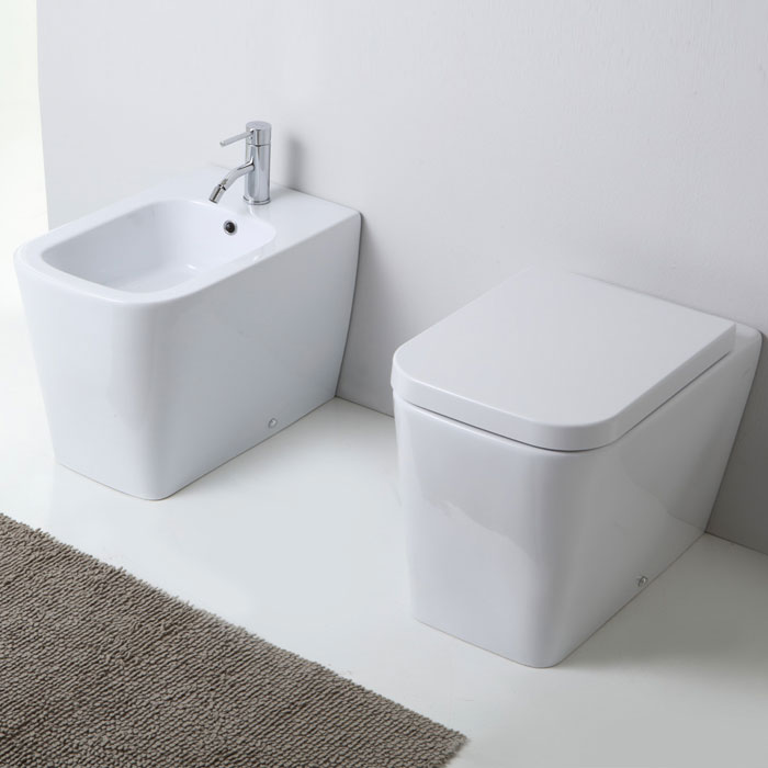 Sanitari bagno a terra pavimento wc e bidet in coppia - Misure water e bidet ...
