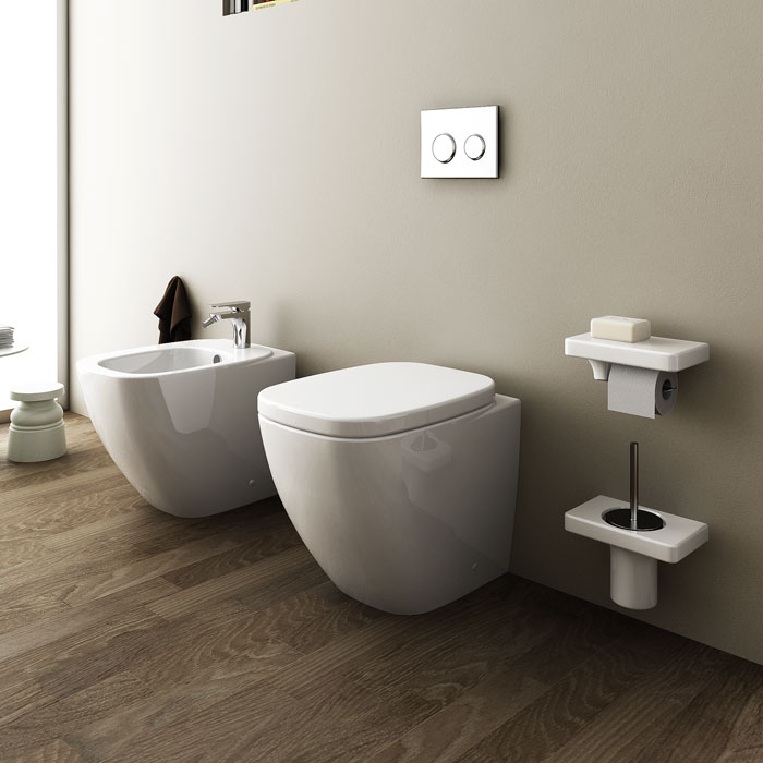Sanitari bagno a terra pavimento wc e bidet in coppia for Sanitari filomuro
