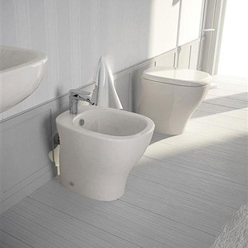Sanitari In Ceramica Per Bagno.Sanitari Per Bagno A Terra Serie My Hidra Ceramica